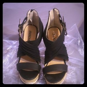 Soda Shoes - Black sandals